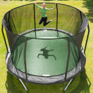Ovale trampoliner